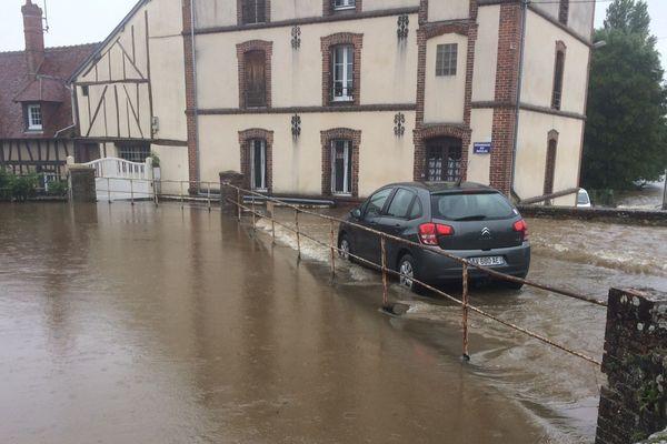 Inondation à Breteuil-sur-Iton (Eure) mardi 5 juin 2018.