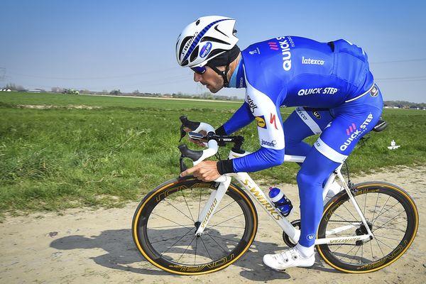 Tom Boonen à l'entraînement sur les routes de Paris-Roubaix cette semaine