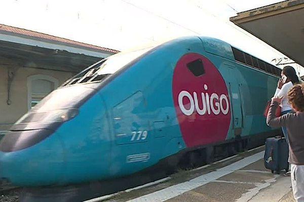Nîmes - un TGV Ouigo en gare - octobre 2018.