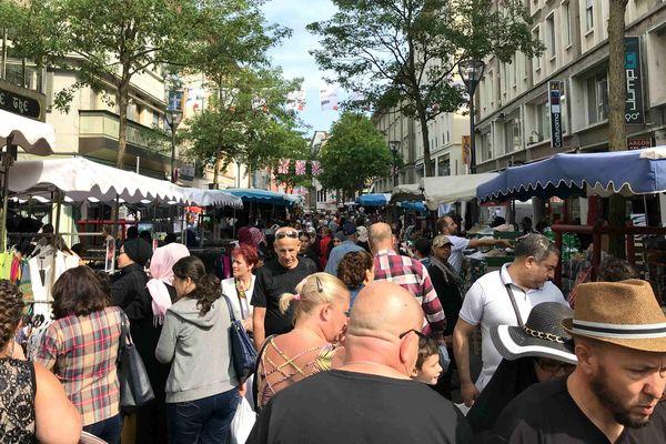 Braderie de Mulhouse: pendant 2 jours, les 3 et 4 juillet, les rues de Mulhouse sont investies par les exposants et les badauds.