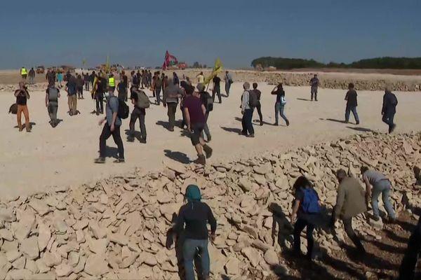 Les anti-bassines envahissent le site de Mauzé-sur-le-Mignon le 22 septembre 2021