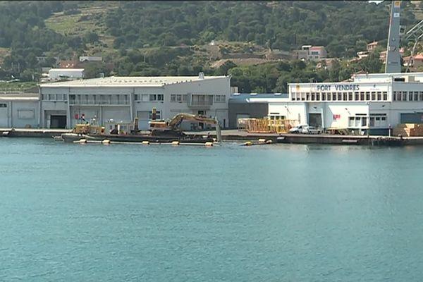 Travaux dans le port de Port-Vendres (Pyrénées-Orientales) en mai 2019
