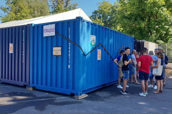 Dans ces deux containers, une expérience musicale intense, et interdite aux entendants