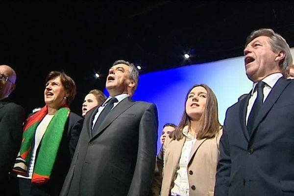 François Fillon entouré d'Eric Ciotti, Annie Genevard et Alain Joyandet le 9 mars à Besançon