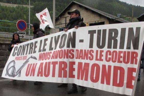 Photo des opposants au Lyon-Turin lors d'une précédente mobilisation
