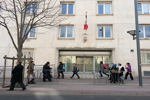 Béziers (Hérault) - Hôtel de police - archives