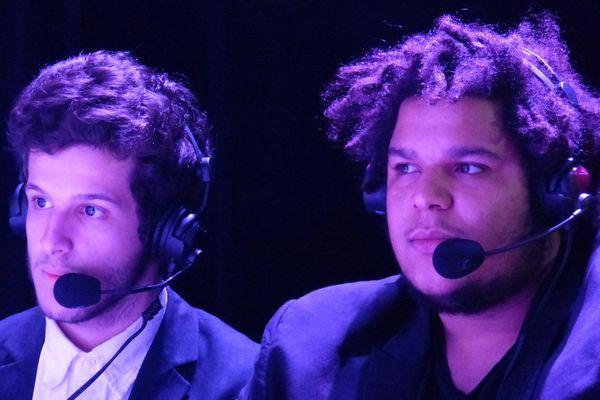Sacha (à gauche) et Dimitri (à droite) commentent ensemble des matchs de Call of Duty depuis deux ans.