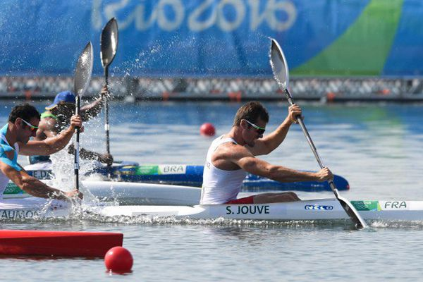 Maxime Beaumont partage son bateau avec Sébastien Jouve.
