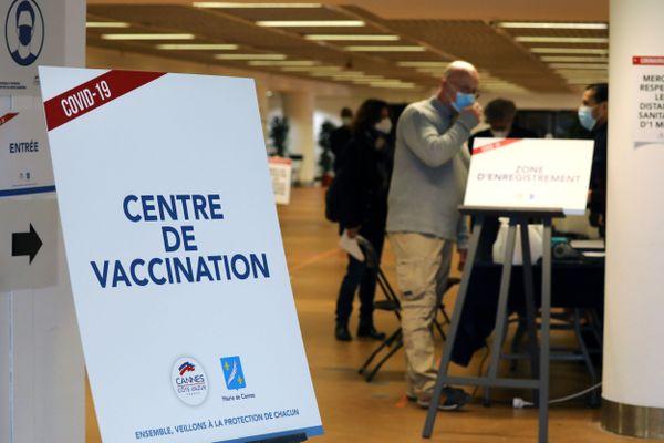 Plusieurs centres de vaccination devraient être mis en place cette semaine en Bourgogne.