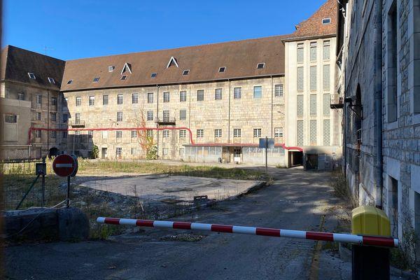 Que deviendra l'ancien hôpital Saint-Jacques de Besançon après le retrait de l'opérateur Vinci ? / © Pascal Sulocha - France Télévisions