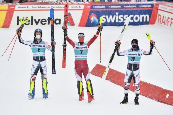 Clément Noël, Manuel Feller et Alexis Pinturault à l'issue du slalom de Lenzerheide dimanche 21 mars.
