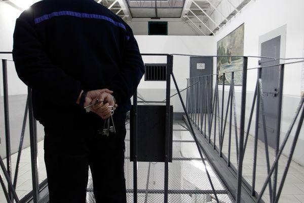 Illustration/ Dans les couloirs de la prison d'ajaccio