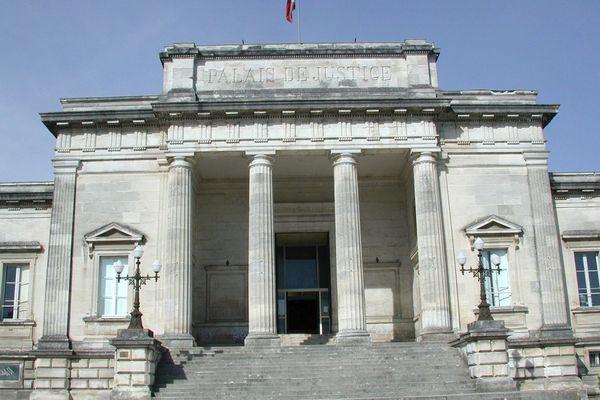 Le tribunal de Saintes accueille le procès de Joël Le Scouarnec