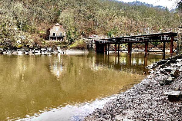 Le pont de Crozant sera reconstruit quasiment à l'identique du précédent ouvrage.