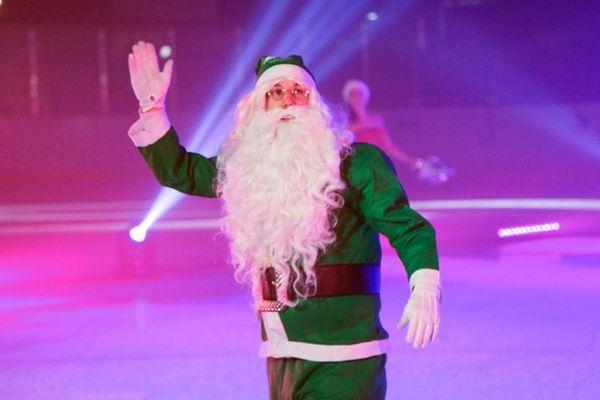 A Reims, depuis des années, les Pères Noël Verts du Secours Populaire accompagnent les plus démunis pour les fêtes de fin d'année.