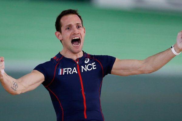 Renaud Lavillenie réalise, avec un saut à 5,95m, la meilleure performance mondiale de l'année à Angers. (illustration)