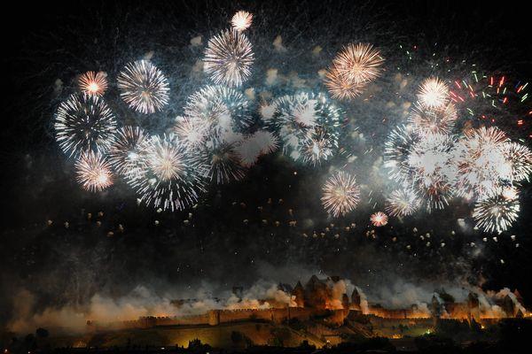 Embrasement de la Cité de Carcassonne dans l'Aude le 14 juillet 2014