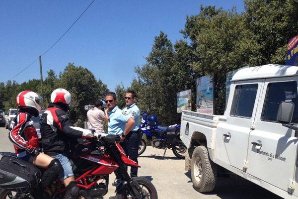 Les gérants des sociétés de transport de personnes ont installé un barrage filtrant sur la piste de Saleccia.