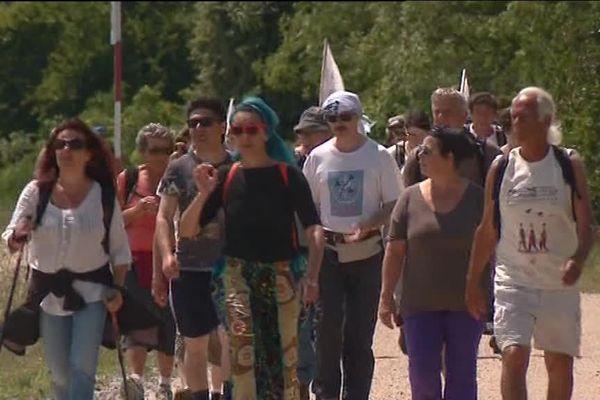 La marche des migrants de passage à Montélimar (Drôme) le 23 mai 2018. Photo France 3 Rhône-Alpes.