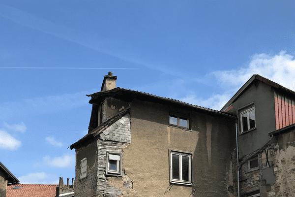 Un immeuble vétuste dans Limoges.