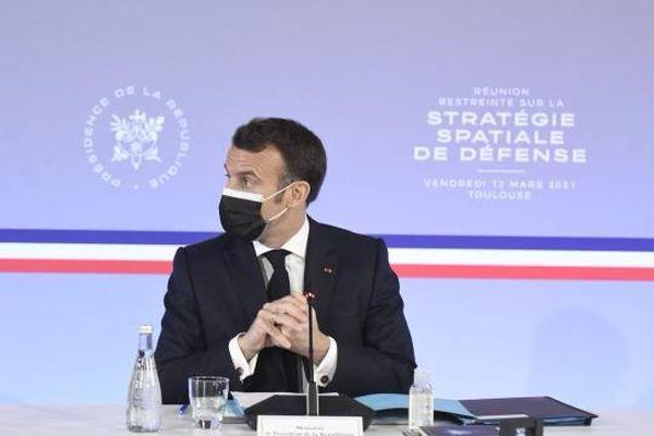 Emmanuel Macron lors du point presse accordé au CNES de Toulouse