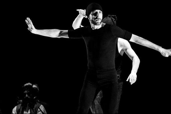 La dernière représentation aura lieu ce lundi 11 juillet 2016 au soir. Il s'agit de Yatra de Kader Attou et Andrés Marin.