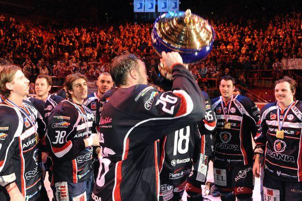 Les angevins remportent la Coupe de France pour la première fois depuis  2007