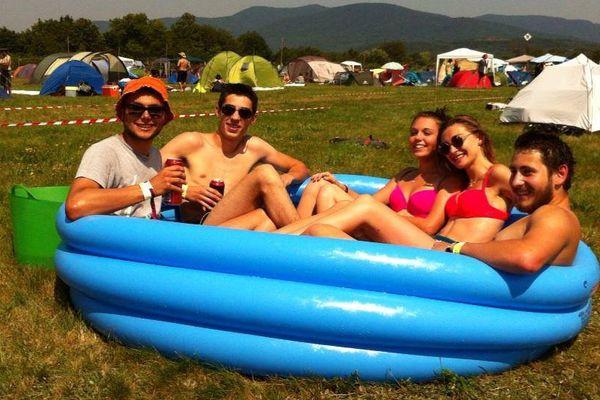 Tout baigne au camping même par cette chaleur. A condition d'avoir prévu la piscine qui va bien.