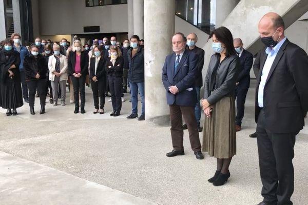Une minute de silence a été observée mercredi 21 octobre à l'Université de Corse, à Corte (Haute-Corse) à la mémoire de Samuel Paty.