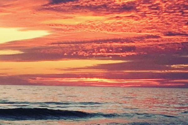 soleil couchant à Lacanau océan - Gironde (33)