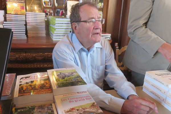 Jean-François Bazin au salon du livre et du vin Livres en Vignes au château du Clos de Vougeot en 2015.