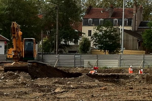 Des fouilles archéologiques, menées par les chercheurs de l'Inra, ont débuté dans le quartier des Tanneries à Dijon.