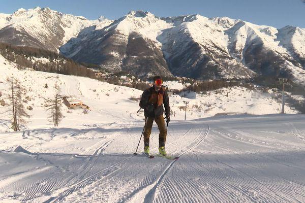 Les skieurs au rendez-vous ce dimanche à Auron, malgré l'absence de remontées mécaniques.