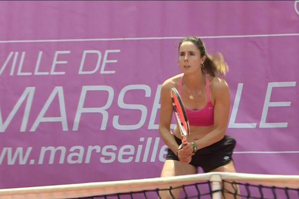 La Niçoise a battu une autre Française, Pauline Parmentier, en deux sets 6-3 6-4.