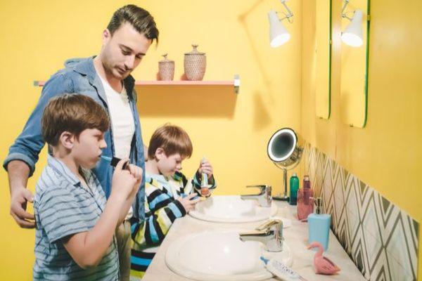 Fasteesh a créé un système de brossage des dents ludique et rapide, pour les particuliers