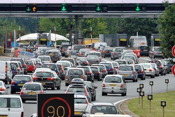 Que ce soit sur l'A71 ou l'A75, la circulation s'annonce dense pendant ce weekend de chassé-croisé. (Illustration)