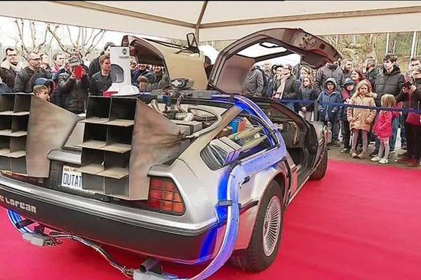 La DeLorean Time Machine de Retour vers le futur exposée à Saint-Brieuc