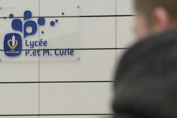 Les faits ont eu lieu au lycée Pierre et Marie Curie d'Aulnoye-Aymeries.