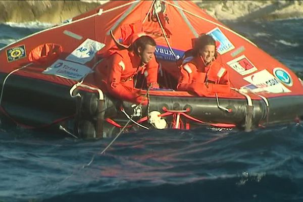Tant qu'ils ont la tête dehors, ils limitent le mal de mer...