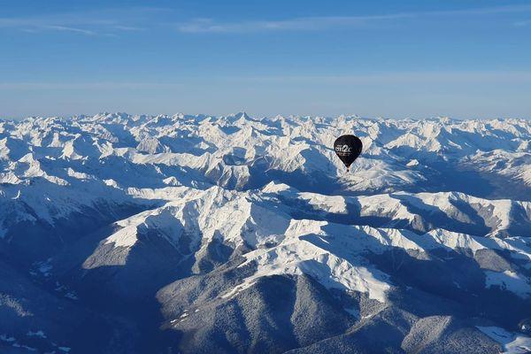 Traversée des Pyrénées en Montgolfière