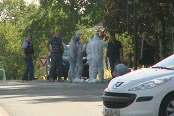 Les forces de police sur place après le drame dans le quartier de la Grande Garenne à Angoulême