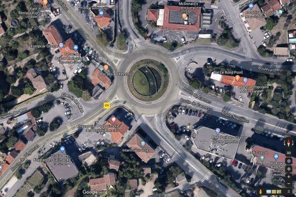 Rond-point des quatre chemins à Grasse