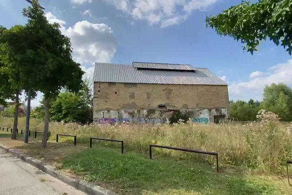 """La """"Cathédrale"""", le dernier vestige de Moulinex à Alençon, la première usine normande de Jean Mantelet qui a installé la production du moulin-légumes en 1937."""