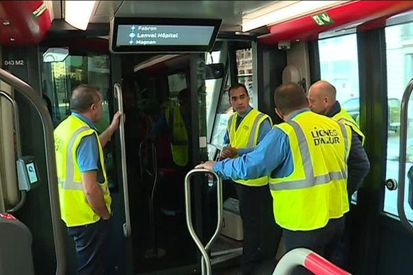 Les conducteurs de tramway formés sur la ligne 2 du tramway