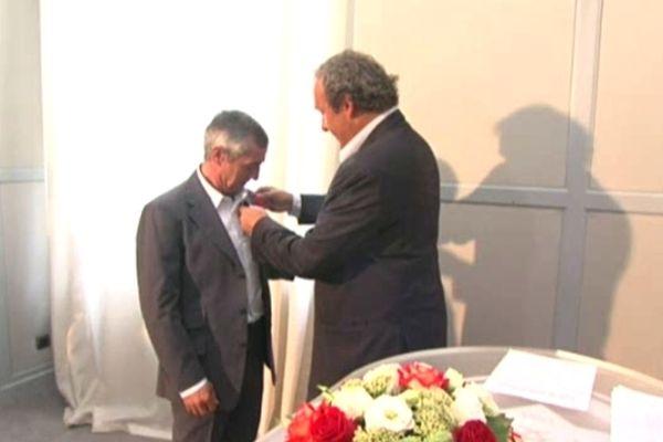 Le 20 août 2012, Alain Giresse est décoré de la Légion d'Honneur par Michel Platini, alors président de l'UEFA, vingt-sept ans après la légendaire demi-finale Bordeaux-Juventus.