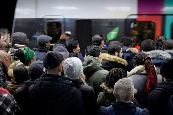 """A la SNCF, le directeur du Transilien a déjà prédit une semaine """"difficile""""."""