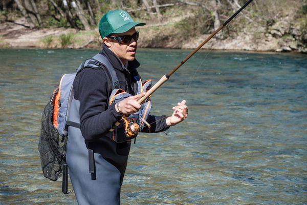 Mordu de pêche depuis ses 6 ans, Karim Sanogho a lancé Circle Fishers, une plateforme qui permet l'achat et la vente sécurisée de matériel de pêche d'occasion