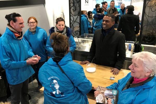 Gildas Vieira et son équipe de campagne en février 2020 avant le premier tour des municipales 2020 à Blois