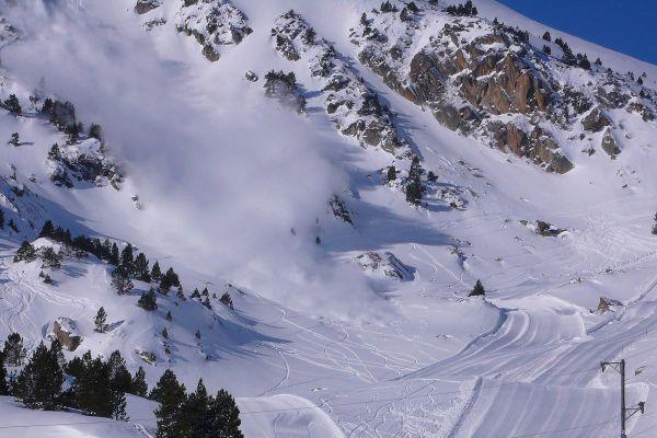 Ski de randonnée et randonnée doivent être pratiqués avec une particulière vigilance à cause des accumulations de neige.