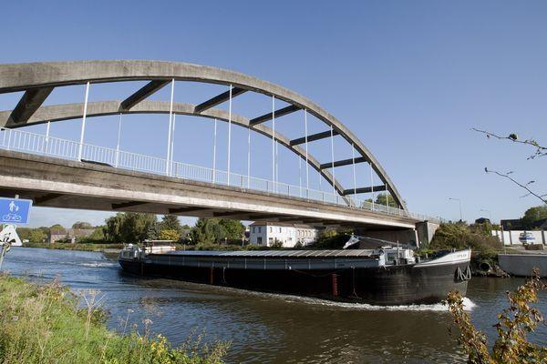 Une péniche sur le canal Pommerœul-Antoing, en Belgique (photo d'illustration).